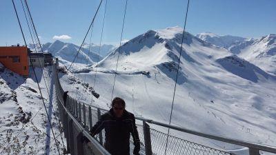 Most na Stubnerkogelu sa stazama u pozadini